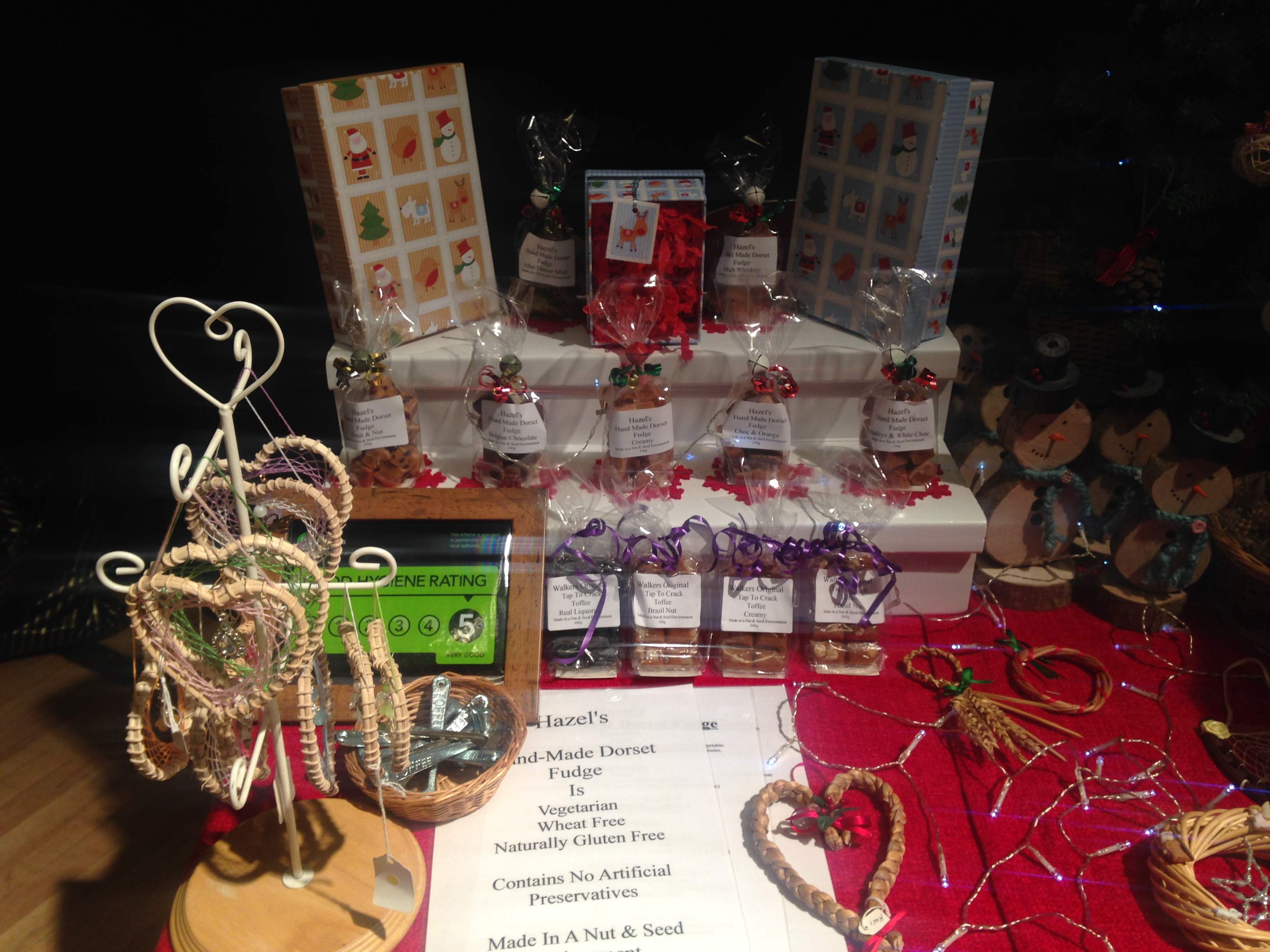 Dorchester christmas cracker 2018 dorchester chamber for business if you make and sell your own products tables are 1750 each please contact sandy jordan on santiques1yahoo if youd solutioingenieria Image collections
